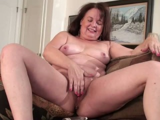 Masturbation curvy mature can