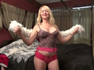 Amateur Mature Woman Eating Cum