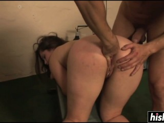 Schoolgirl loves to get penetrated nicely